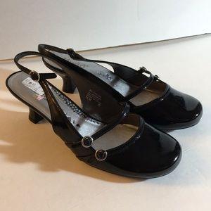 Mudd Black slingback low heels